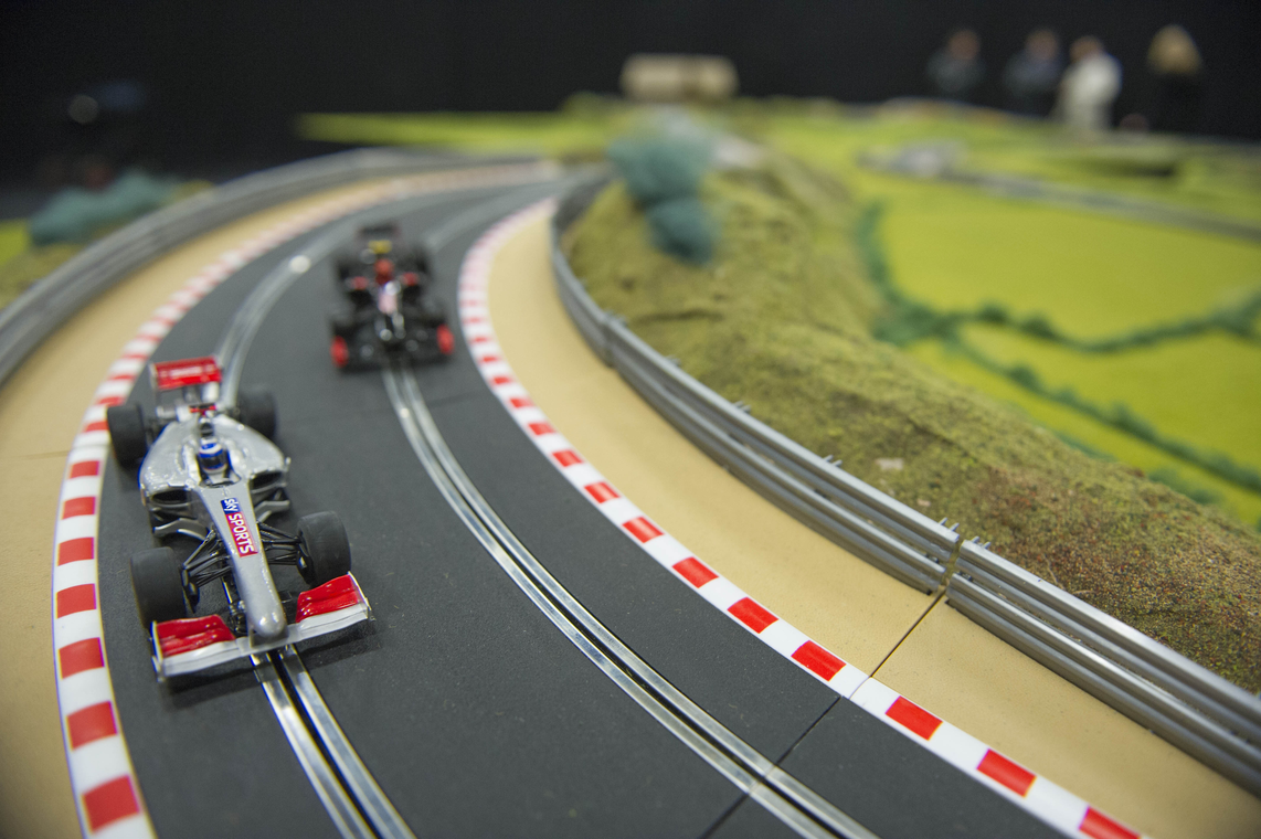 Un immense circuit scalextric pour la bonne cause ! - Photo n°2