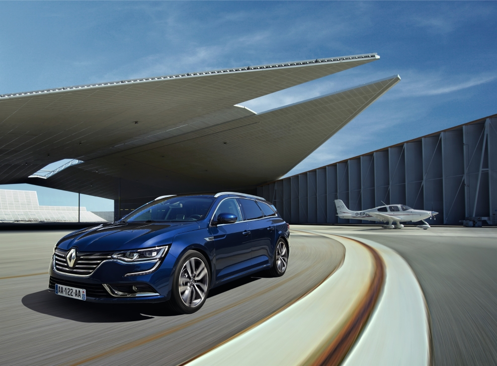 Un break Renault statutaire avec Talisman Estate - Photo n°1