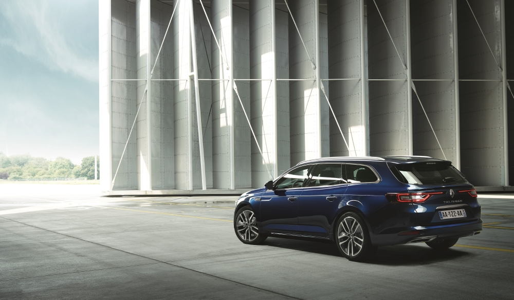 Un break Renault statutaire avec Talisman Estate - Photo n°6