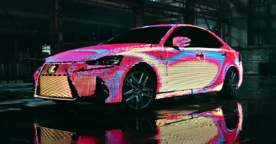 Une Lexus IS recouverte de LED !